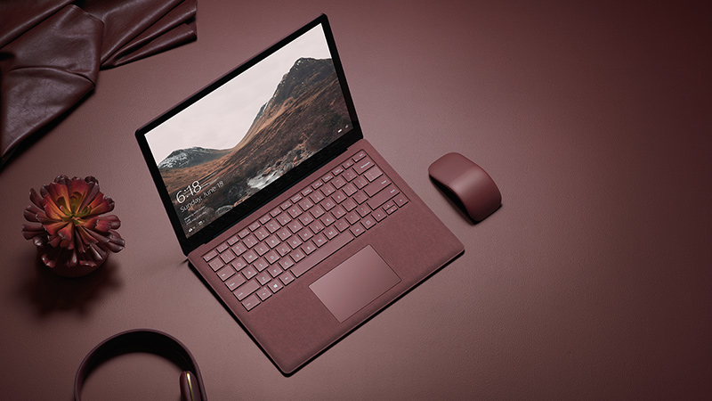 "Microsoft Surface Laptop DAG-00003 | Core i5-7200U | 8GB RAM | 256GB SSD | VGA Intel | 13.5"" Touch"